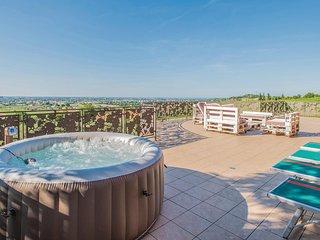 Stunning home in Rimini -RN- w/ WiFi and 4 Bedrooms (IEK308)