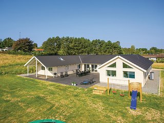 Nice home in Vejby w/ WiFi and 9 Bedrooms (E09500)