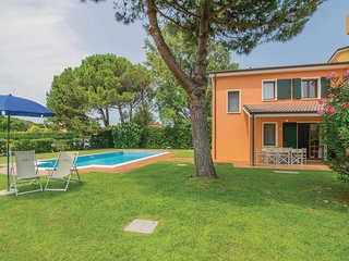 Amazing home in Albarella RO w/ Outdoor swimming pool, 3 Bedrooms and Outdoor sw