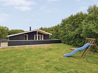 Stunning home in Fanø w/ WiFi and 3 Bedrooms (M21415)