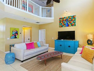 ⭐Few Miles from Orlando Parks - Beautiful 7 Bedroom Villa w/ Private Pool⭐