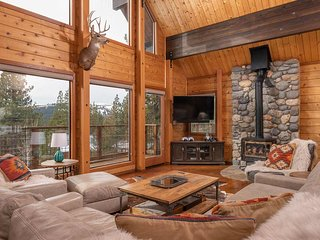 Well Appointed Mountain Chalet, great for multi-families with great amenities