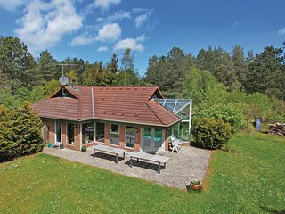 Beautiful home in Hojby w/ Sauna, WiFi and 4 Bedrooms