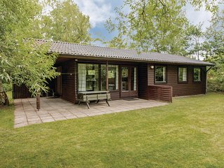 Nice home in Højby w/ 3 Bedrooms (E19844)