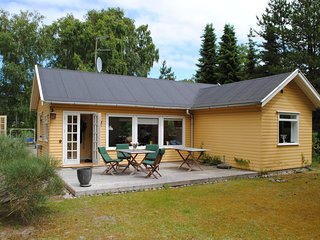 Awesome home in Højby w/ WiFi and 3 Bedrooms (E19929)