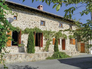 Beautiful home in Massignac w/ WiFi and 2 Bedrooms