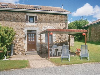 Beautiful home in Chirac w/ WiFi and 2 Bedrooms