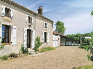 Amazing home in La Boissiere-en-Gatine w/ 3 Bedrooms