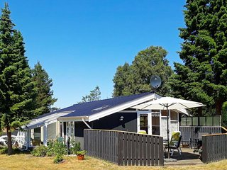 Rimmen Holiday Home Sleeps 5 with WiFi - 5490658