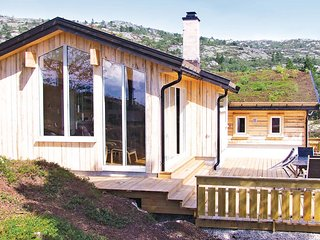Stunning home in Dølemo w/ Sauna, WiFi and 5 Bedrooms (N34291)