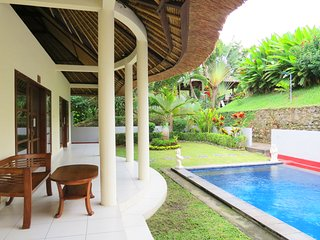 Medewi Bay Retreat - Two Bedroom Villa Private Pool Hibiscus 2