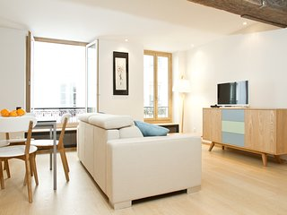 059. IN THE HEART OF ST GERMAIN DES  PRES NEXT TO MABILLON - MODERN 1BR FLAT!