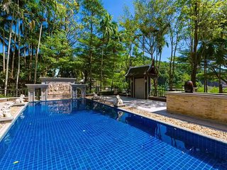 1600㎡Cozy luxurious Thai-style traditional Villa hidden in the downtown