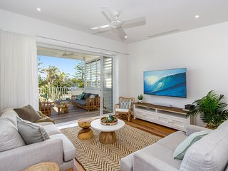 KINGY BEACH HOUSE * 162