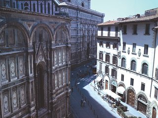 The' Florian' Apartment in front of the Duomo
