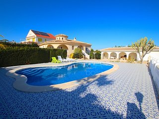 Villa Dali, Ciudad Quesada - Villa with Private Pool & Wi-Fi