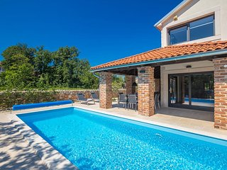 Luxurios ausgestattetes Haus mit Pool