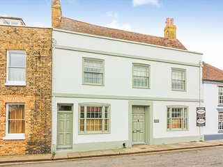 Brandon House is a stunning period home set in the historic town of Sandwich
