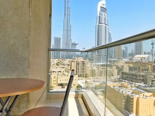 Luxury 2BD full Burj Khalifa View