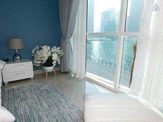 Premium 2BR Apt w/stunning Dubai Marina View