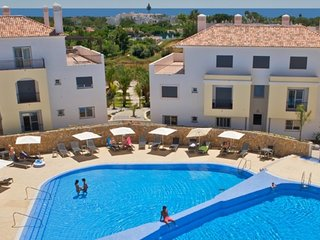 Excellent Holiday Apartment with Communal Pool and South facing Balcony