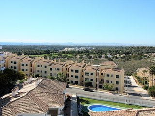 Penthouse close to restaurants with fantastic views over hills and sea