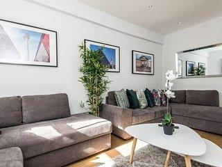 HUGE Luxurious Georgian Apartment