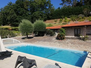 Casa dos Linhares - Turismo Rural, With Salt water pool and tennis court