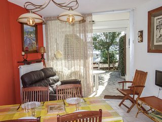 1 bedroom Villa with WiFi and Walk to Beach & Shops - 5050258