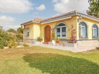 Amazing home in Pozo Estrecho w/ 4 Bedrooms