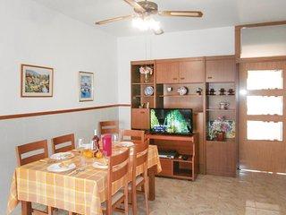 Amazing home in Santiago de la Ribera w/ 3 Bedrooms