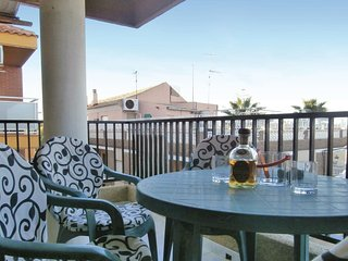 Stunning home in Los Alcázares w/ WiFi and 3 Bedrooms