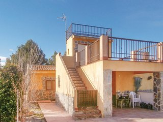 Awesome home in Cieza w/ 2 Bedrooms