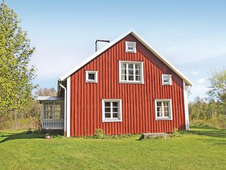 Nice home in Lammhult w/ Sauna and 4 Bedrooms (S05692)