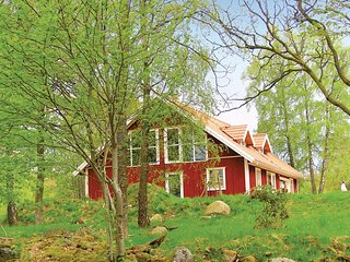 Nice home in Lidhult w/ Sauna and 3 Bedrooms (S05740)