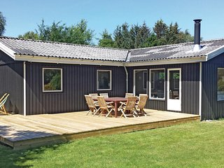 Amazing home in Gilleleje w/ 3 Bedrooms