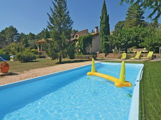 Awesome home in Bordezac w/ WiFi and 4 Bedrooms (FLG317)