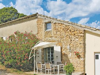 Stunning home in St Andre D´Olerargues w/ 2 Bedrooms