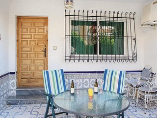 Beautiful home in Los Alcazares w/ 2 Bedrooms