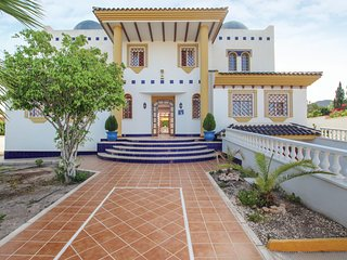 Amazing home in Aguilas with WiFi and 7 Bedrooms (ECC708)