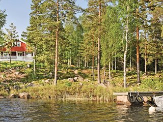 Nice home in Froseke w/ Sauna and 4 Bedrooms