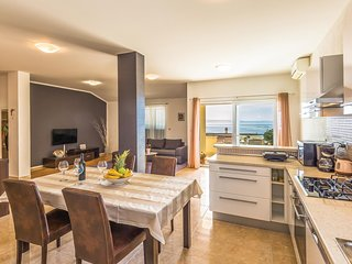 Awesome home in Makarska w/ WiFi and 2 Bedrooms