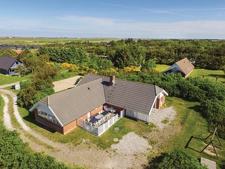 Stunning home in Ringkobing w/ Sauna, WiFi and 4 Bedrooms