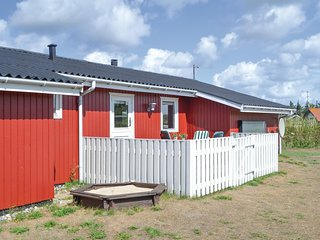 Nice home in Hvide Sande w/ Sauna, WiFi and 2 Bedrooms (A4259)