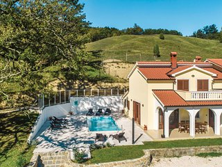 Stunning home in Cerovlje w/ 4 Bedrooms and WiFi