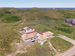Stunning home in Hvide Sande w/ Sauna, WiFi and 4 Bedrooms