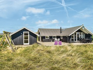 Awesome home in Ringkøbing w/ Sauna, WiFi and 3 Bedrooms