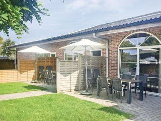 Amazing home in Groede w/ WiFi and 2 Bedrooms