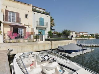 Beautiful home in Aigues-Mortes w/ WiFi and 3 Bedrooms (FLG340)