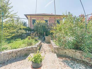 Nice home in Arpino -FR- w/ 2 Bedrooms